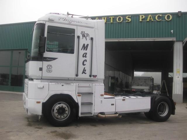 CABEZA TRACTORA RENAULT MACK MAGNUM 480